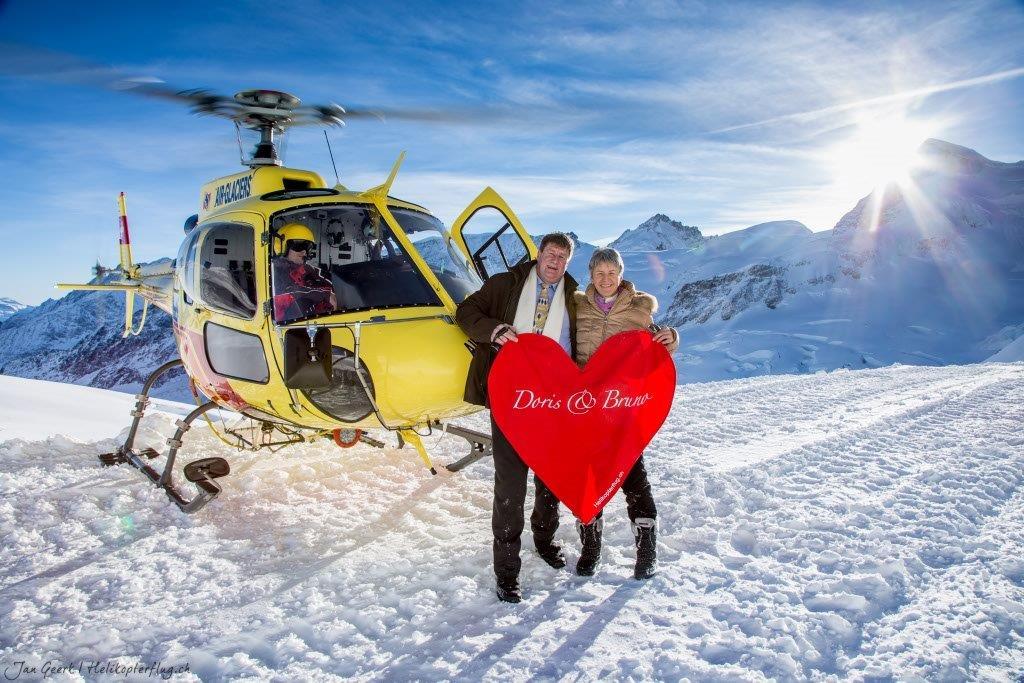 Heiratsantrag auf Gletscher