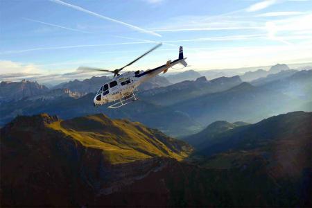 Hubschrauberrundflug Dolomiten