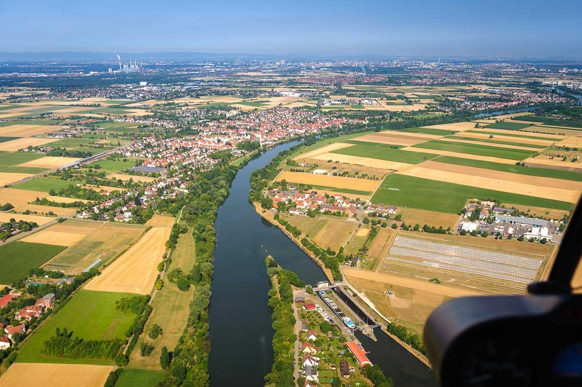 Hubschrauberrundflug Weinstrasse