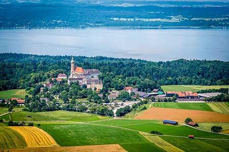Hubschrauberrundflug Seentour München