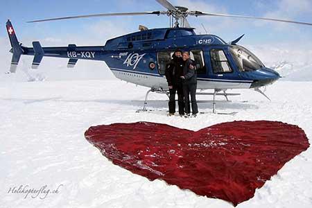Heiratsantrag Gletscher Helikopter