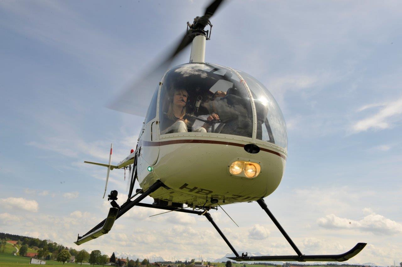 Hubschrauber selber fliegen Robinson R22 Kilb Rametzberg