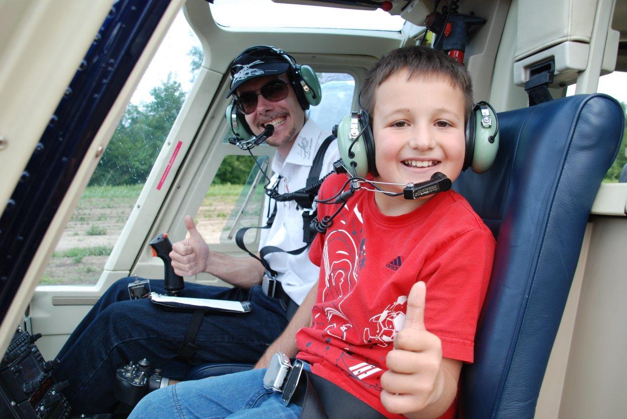 Hubschrauber Rundlug Kind