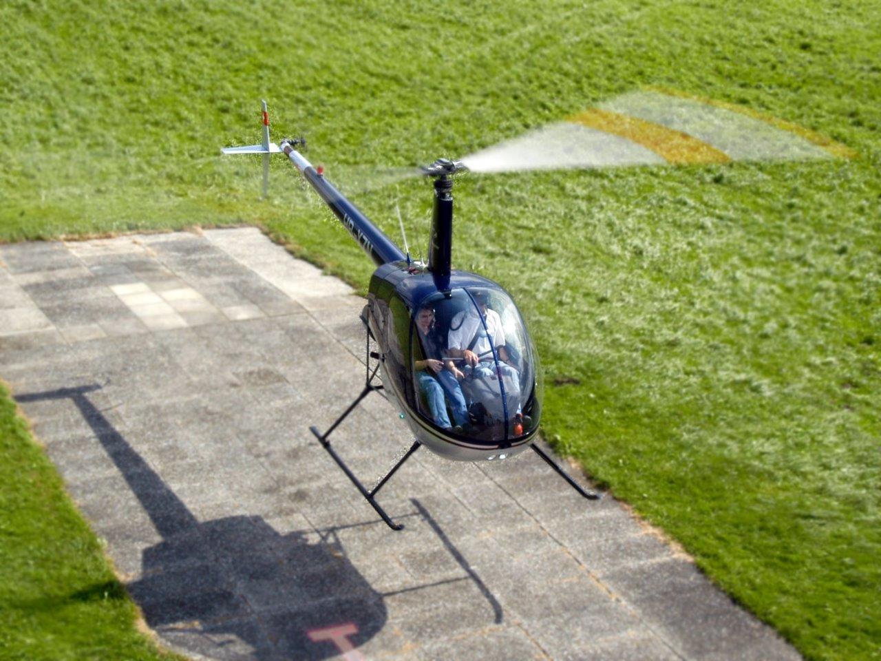 Hubschrauber selber fliegen Robinson R22 Schulungsflug