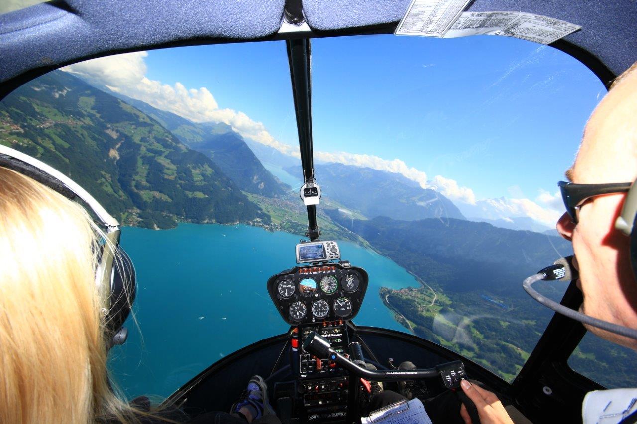 Helikopterrundflug Sicht Cockpit