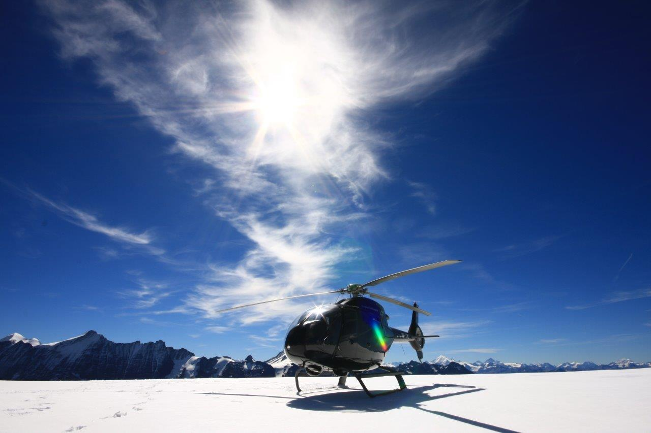 Gletscherflug mit Apéro St. Moritz