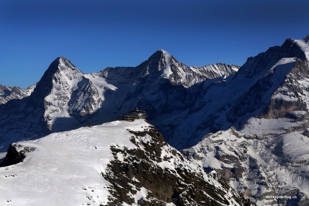 Gletscherlandung Alpenrundflug Lodrino